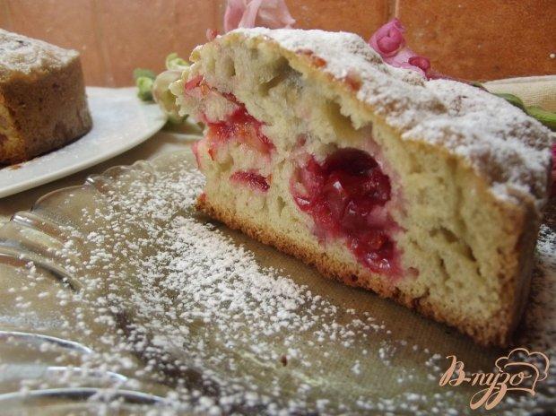 Пирог на красном вине с вишней