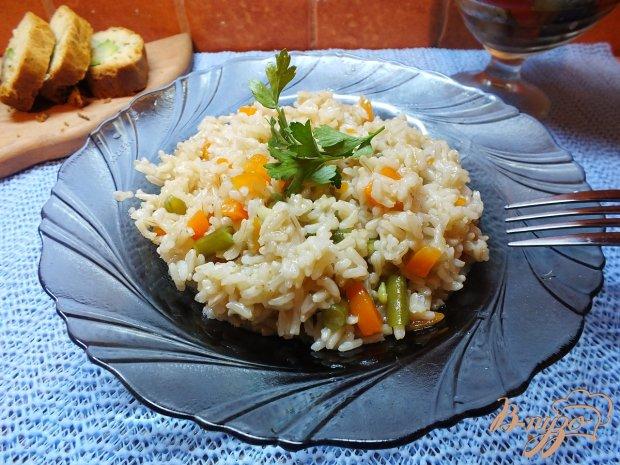 Неочищенный рис со спаржевой фасолью и морковью