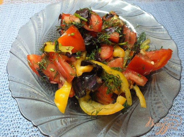 Салат с японским ореховым соусом