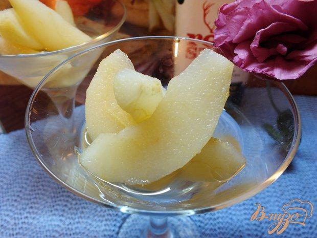 Груша маринованная в сахарном сиропе с виски