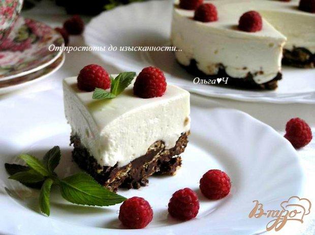 Чизкейк с малиной на шоколадно-хрустящей основе