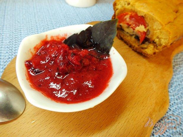 Острый соус-закуска из кизила с чесноком