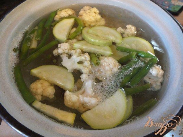 Теплый салат из отварных овощей с ароматными травами
