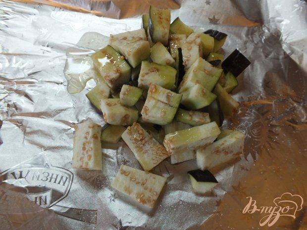 Кавказский салат с кизилом и печеными синими