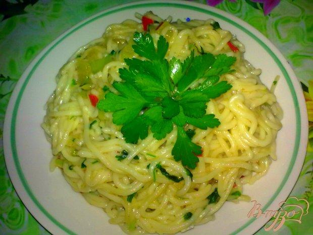 Спагетти с зеленью и имбирем