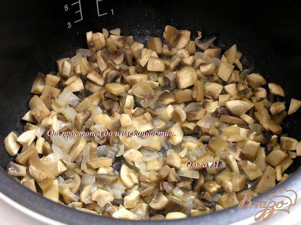 Закусочный манник с грибами (в мультиварке)
