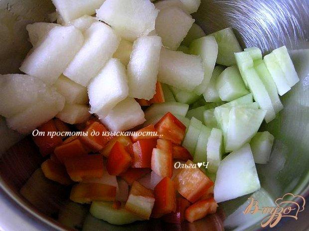 Овощной салат с дыней