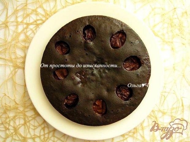 Шоколадный манник со сливами (в мультиварке)