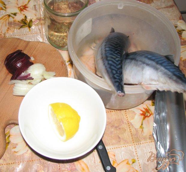 Скумбрия, запеченная в фольге с лимоном и специями