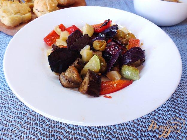 Рецепт Салат с сыром и базиликом из печеных овощей