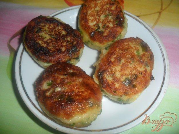 Рецепт Картофельные пирожки с зеленым чеснаком и петрушкой