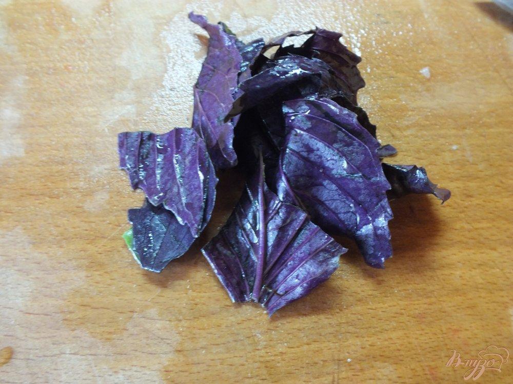 Фото приготовление рецепта: Салат с рукколой и сыром шаг №4