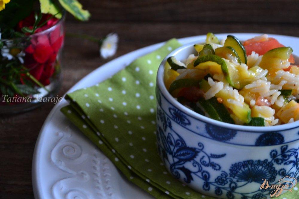 Фото приготовление рецепта: Рисовый салат с овощами и сыром шаг №4