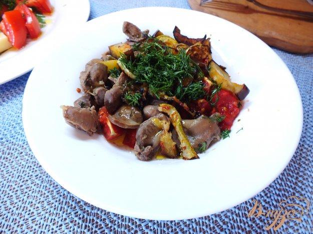 Рецепт Салат из куриных желудков с печеными овощами