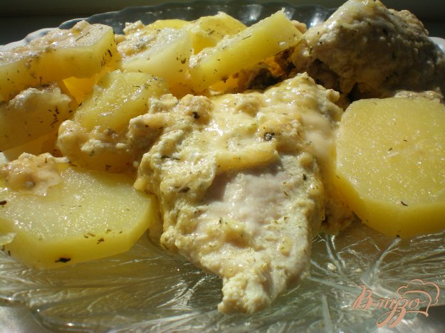 Рецепт Курица в сметано-чесночном соусе