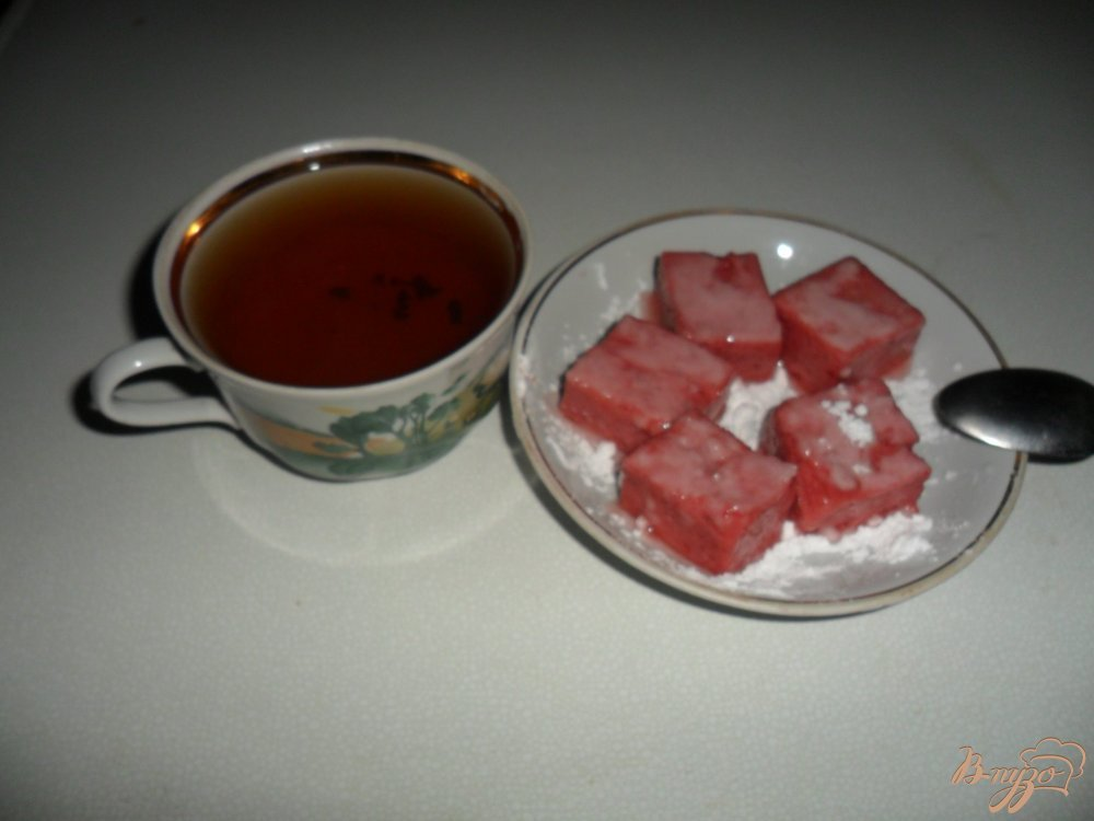Фото приготовление рецепта: Клубнчный рахат-лукум шаг №5