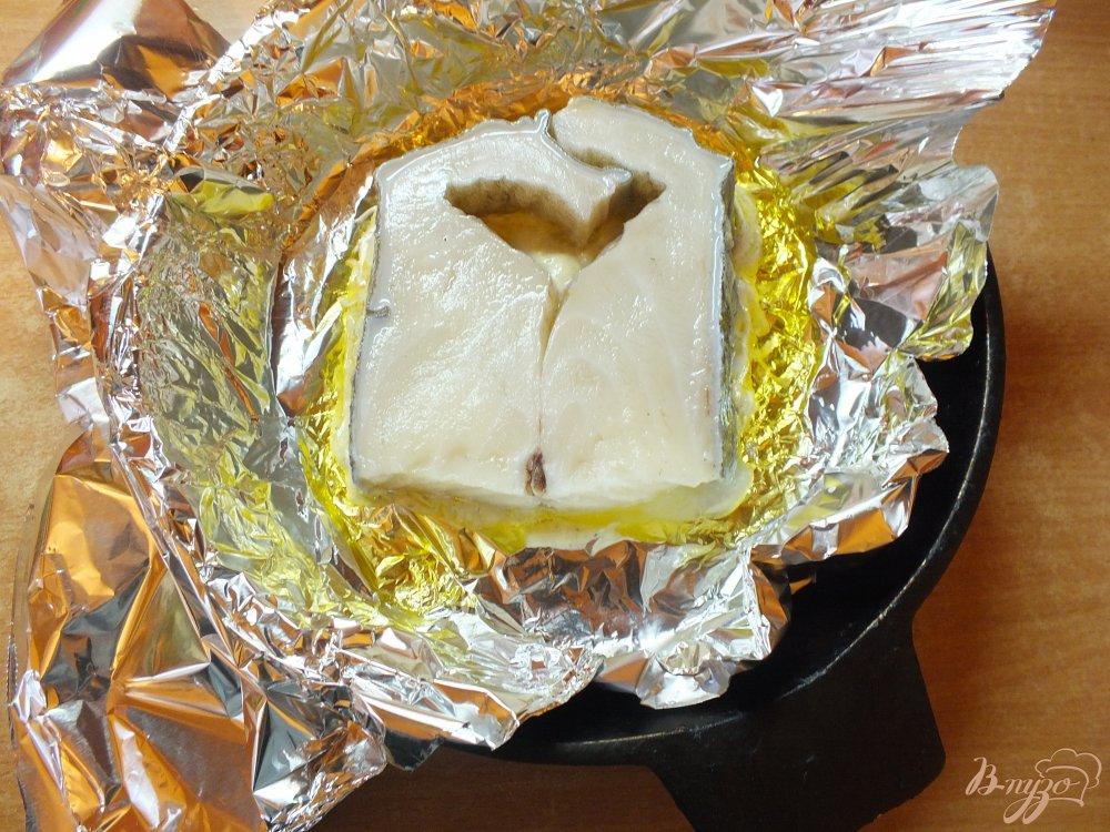 Фото приготовление рецепта: Стейк зубатки  в духовке шаг №7