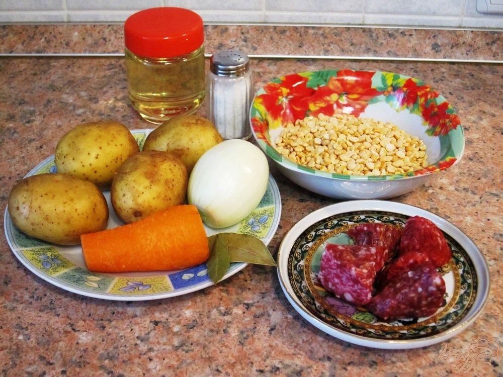 Фото приготовление рецепта: Гороховый суп с копченой колбасой шаг №1