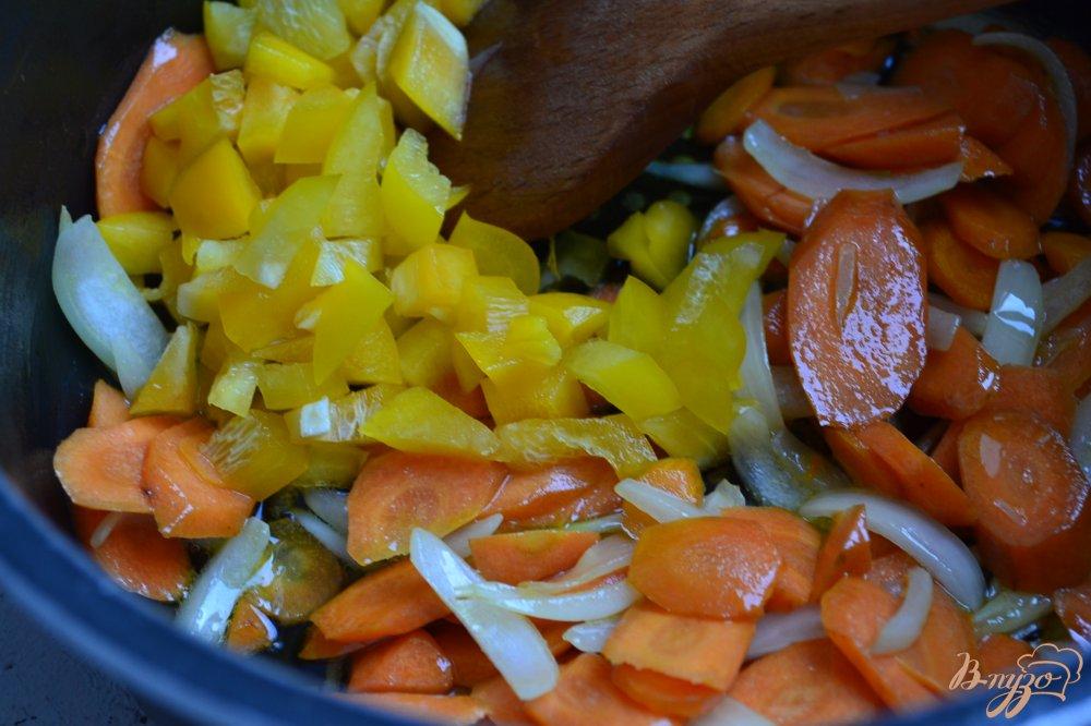 Фото приготовление рецепта: Суп с нутом и лапшой шаг №2