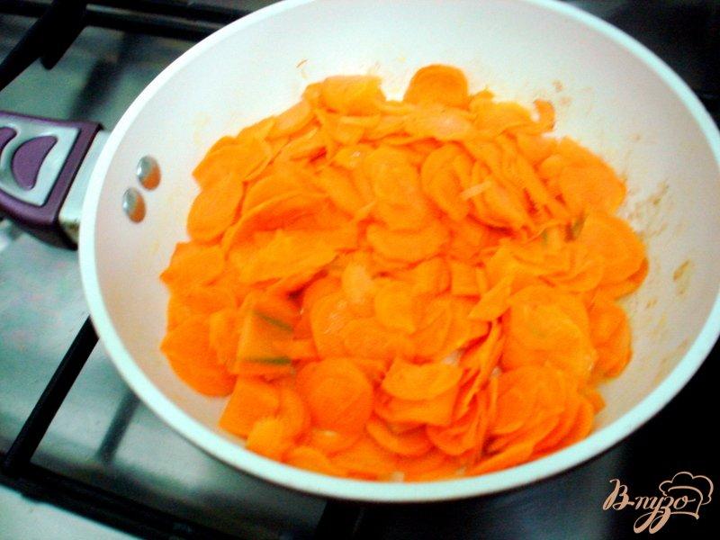 Фото приготовление рецепта: Салат из огурцов шаг №2