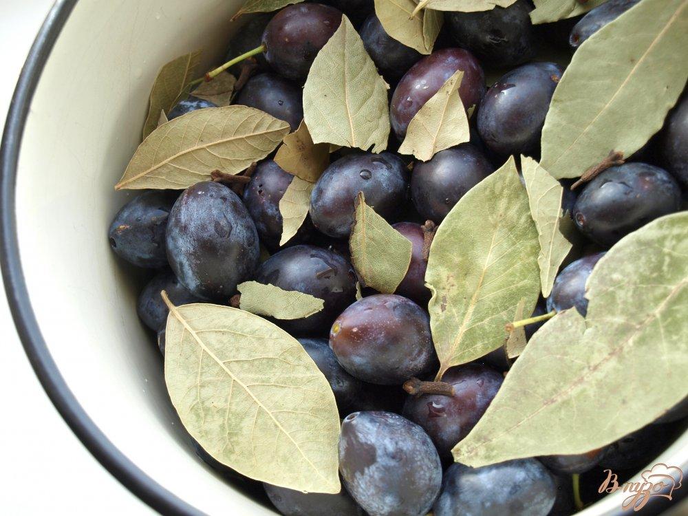 Фото приготовление рецепта: Сладкие маринованные сливы шаг №2