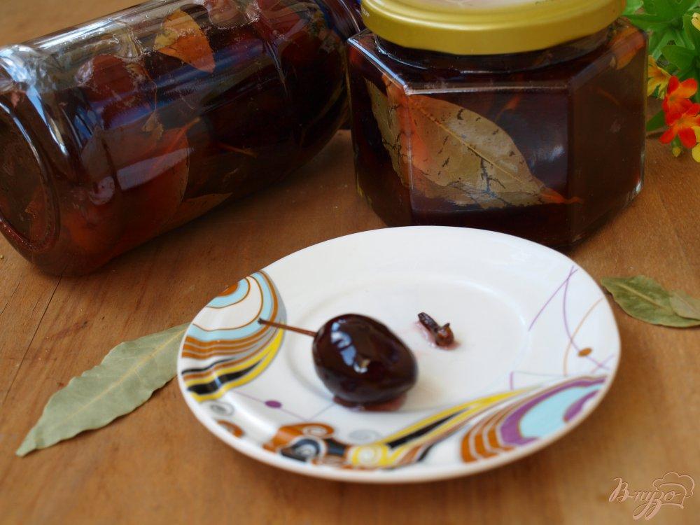 Фото приготовление рецепта: Сладкие маринованные сливы шаг №6