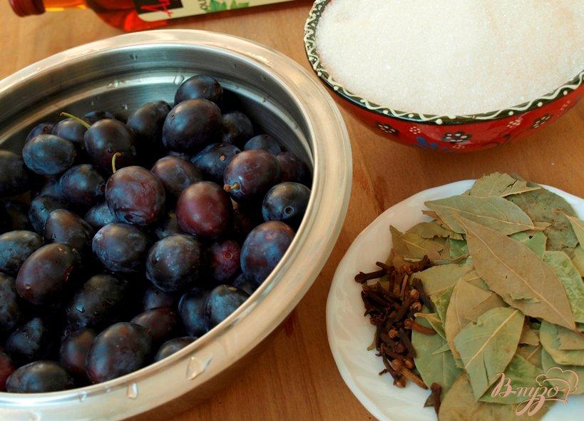 Фото приготовление рецепта: Сладкие маринованные сливы шаг №1