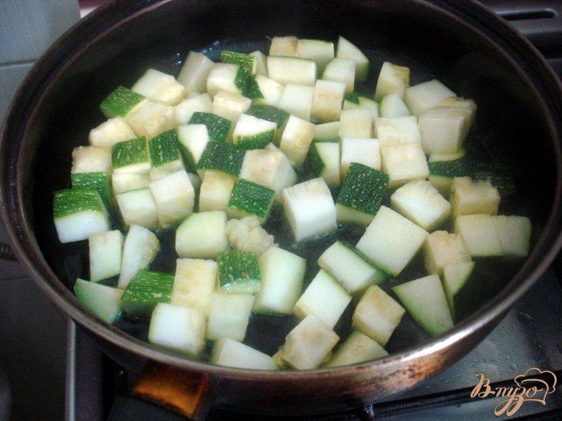 Фото приготовление рецепта: Суп пюре из цукини с фрикадельками шаг №5