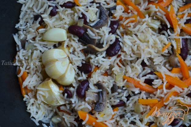 Рецепт Овощной плов с грибами и фасолью