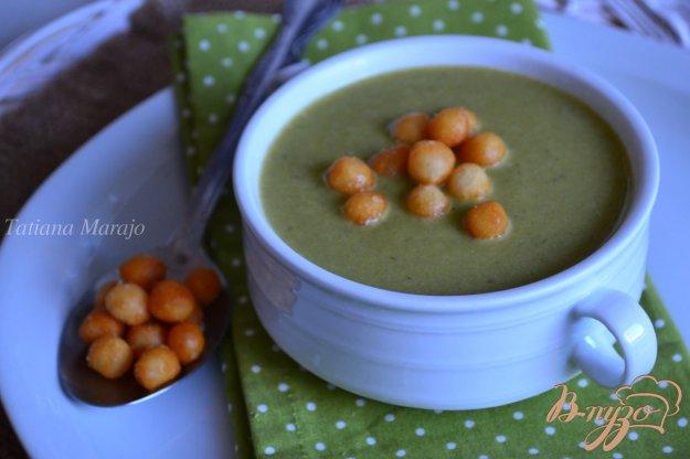 фото рецепта: Крем-суп из лука порея с зеленым горошком