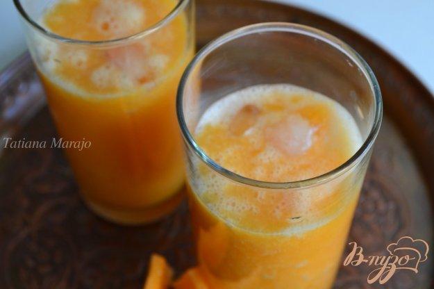 фото рецепта: Апельсиново-дынный коктейль с водкой