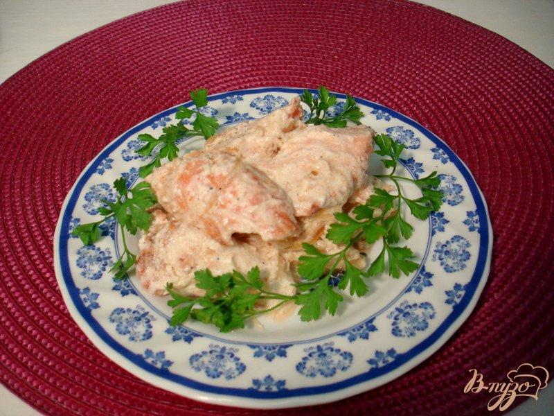 Фото приготовление рецепта: Мясо лосося в сливках шаг №5