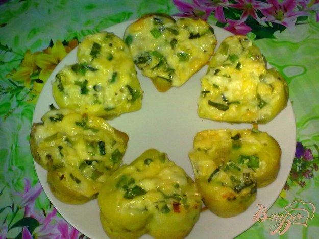 фото рецепта: Кексы с грибами и сыром
