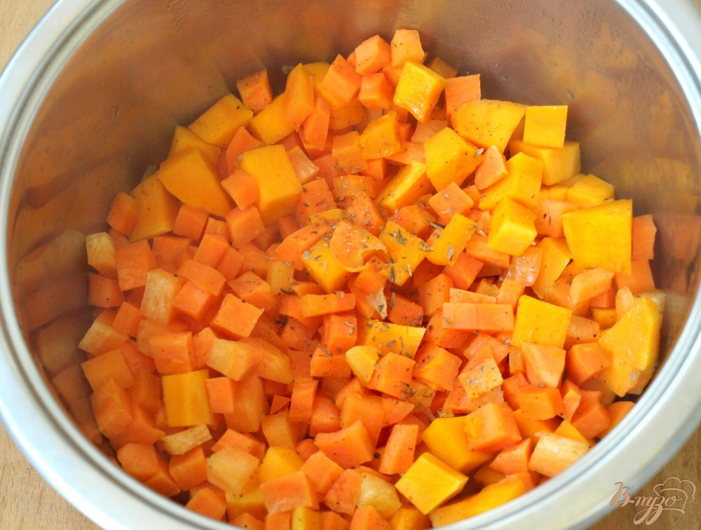 Фото приготовление рецепта: Суп-пюре из красной чечевицы шаг №2