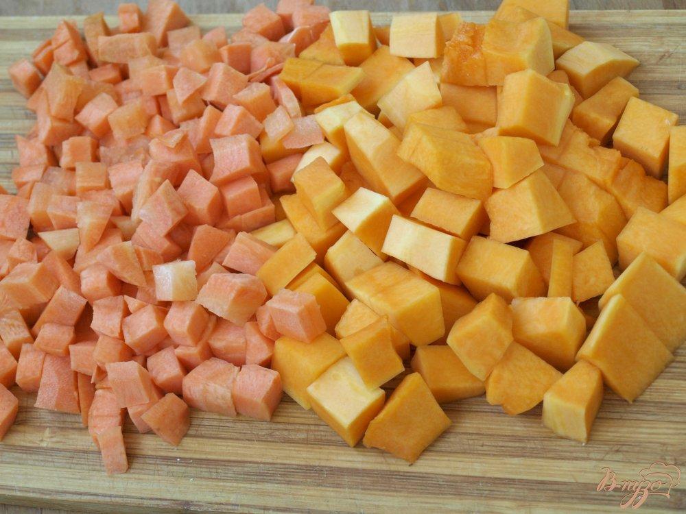 Фото приготовление рецепта: Суп-пюре из красной чечевицы шаг №1