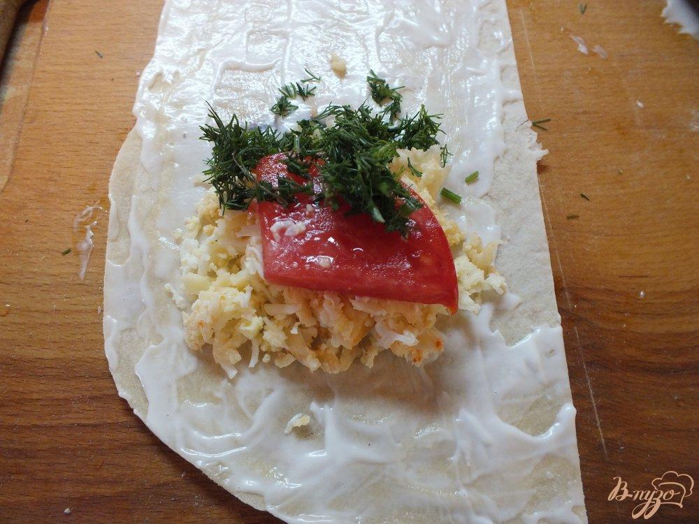 Фото приготовление рецепта: Острые закусочные лаваши шаг №6