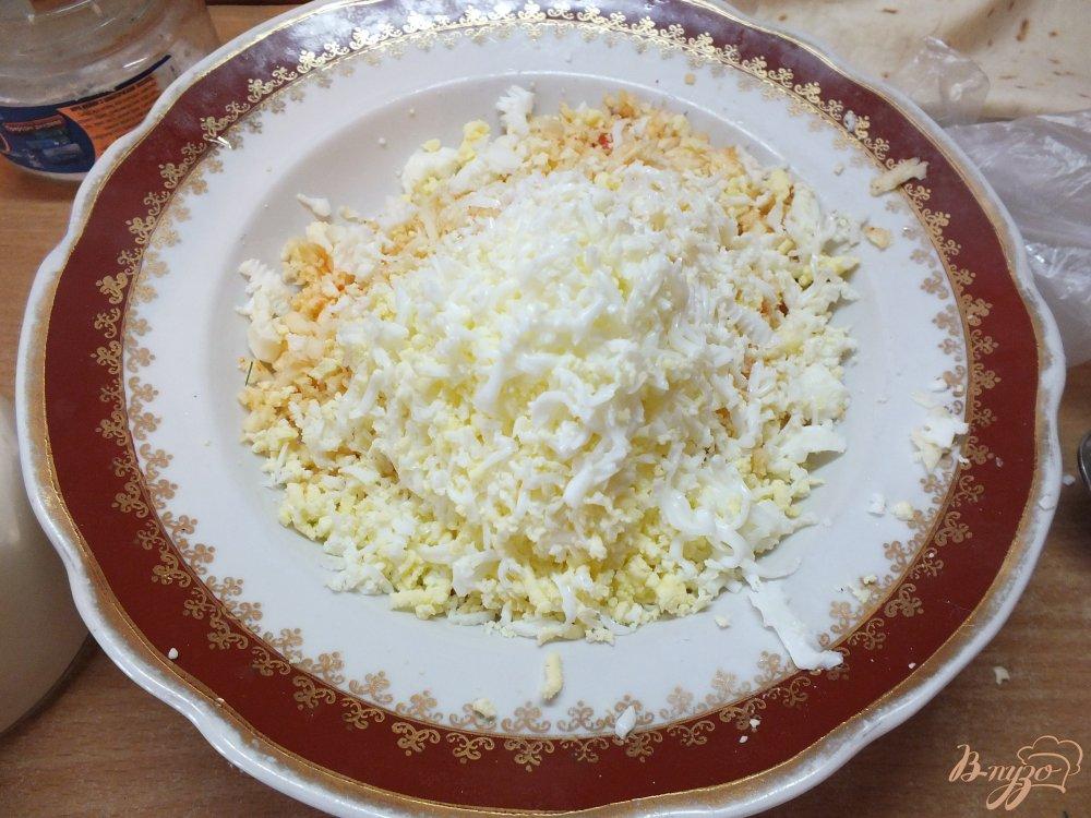 Фото приготовление рецепта: Острые закусочные лаваши шаг №5