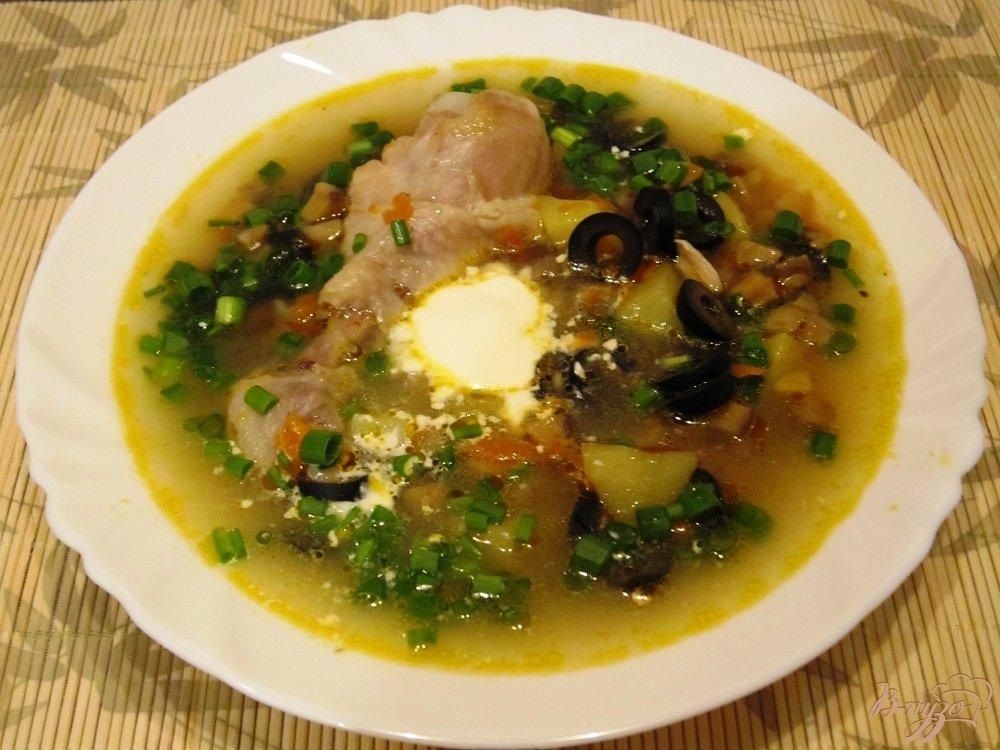 Фото приготовление рецепта: Грибной суп с маслинами шаг №11