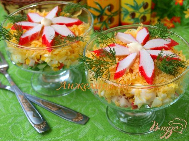 Рецепт Салат с крабовыми палочками и сыром