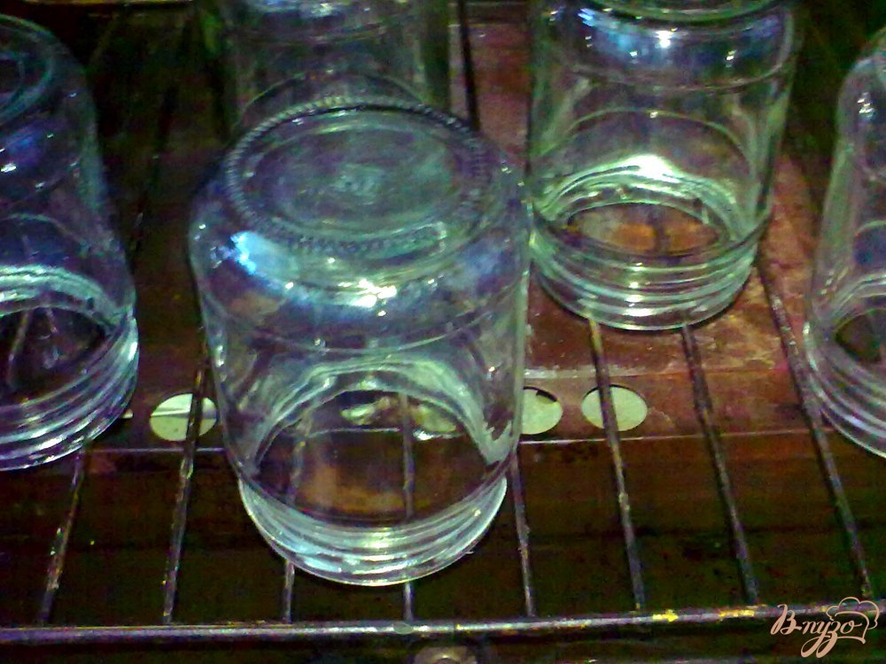 Фото приготовление рецепта: Помидорная заправка на зиму шаг №2