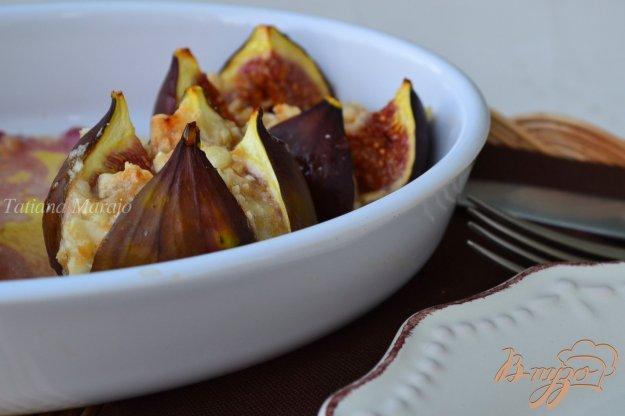 Рецепт Инжир с козьим сыром и орешками