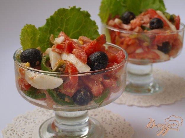 Рецепт Салат с помидорами, перцем, ветчиной и маслинами