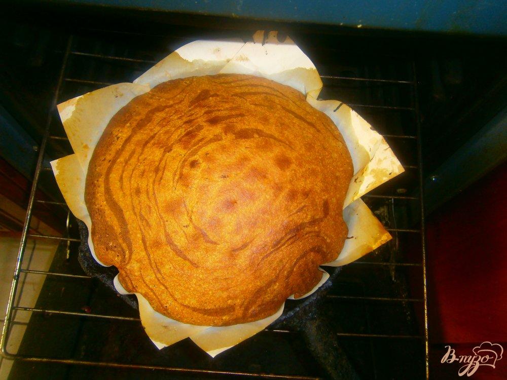 Фото приготовление рецепта: Зебра с сметанный кремом шаг №7