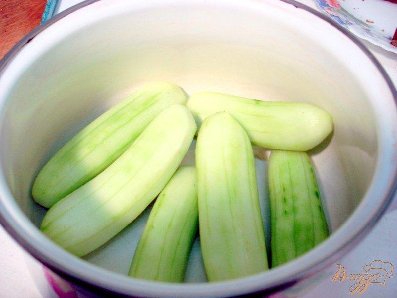 Фото приготовление рецепта: Холодный огуречный суп таратор шаг №1