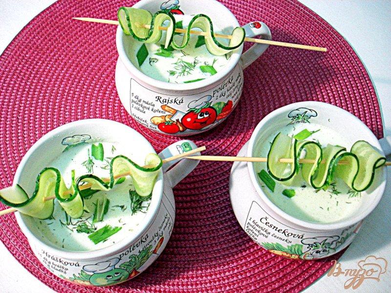 Фото приготовление рецепта: Холодный огуречный суп таратор шаг №5
