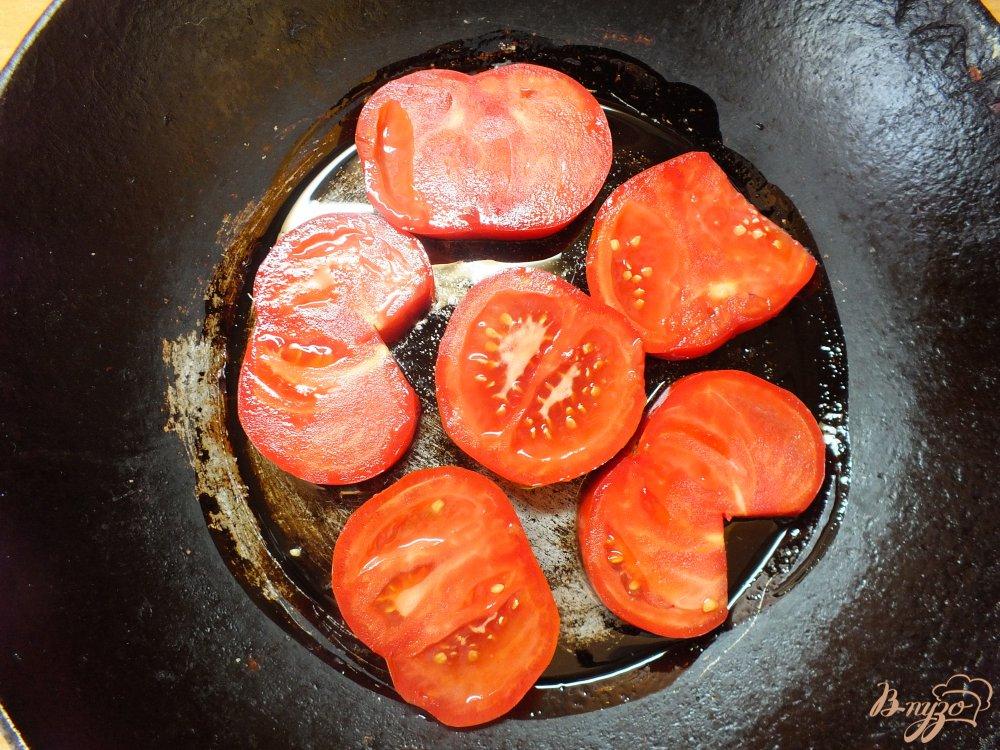 Фото приготовление рецепта: Помидоры запеченные с розмарином и сулугуни шаг №2