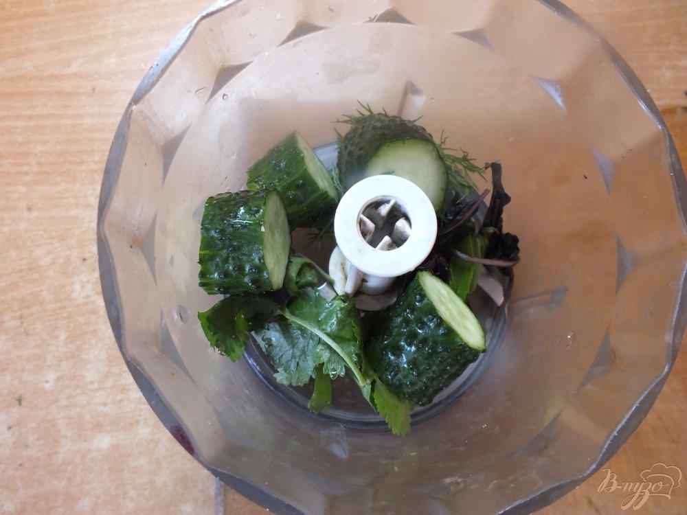 Фото приготовление рецепта: Гаспачо с соком лайма шаг №4