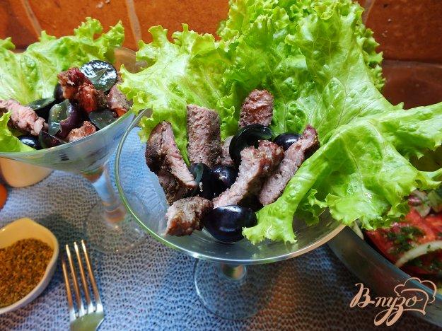 Рецепт Салат с острой печеной говядиной и виноградом