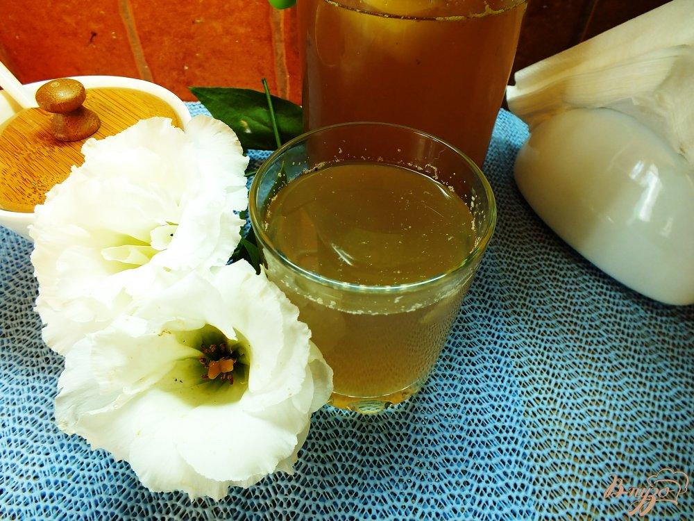 Фото приготовление рецепта: Яблочно-сливовый компот с шалфеем и корицей шаг №6