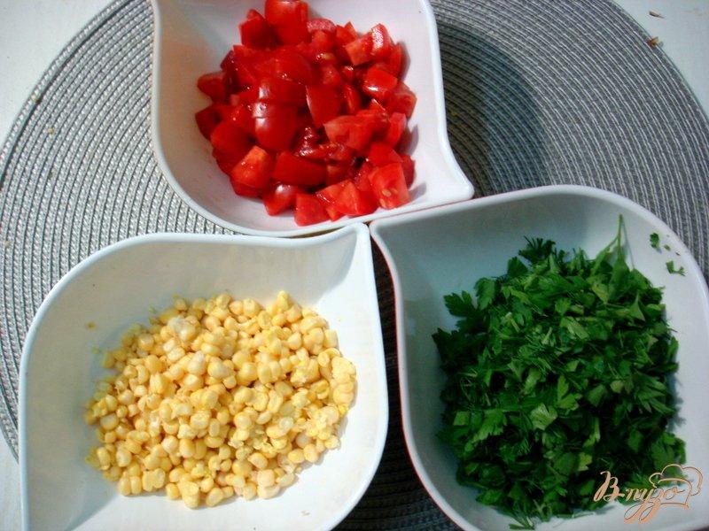 Фото приготовление рецепта: Суп из опят, рыжиков и цветной капусты шаг №5